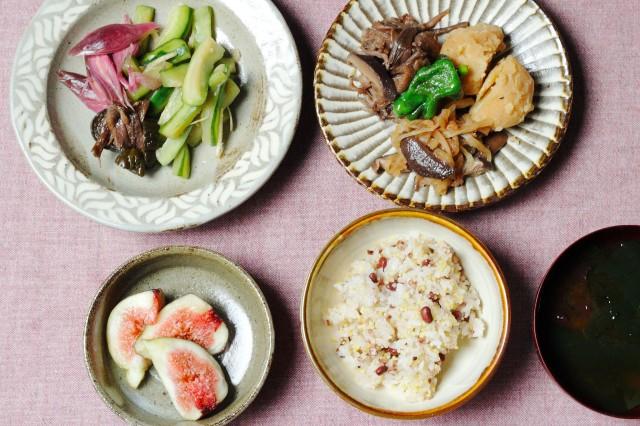 秋畑のお母さんお惣菜で朝ごはん