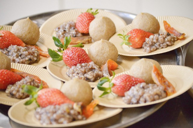 雑穀あんこ、堂上蜂屋柿、玄米餅